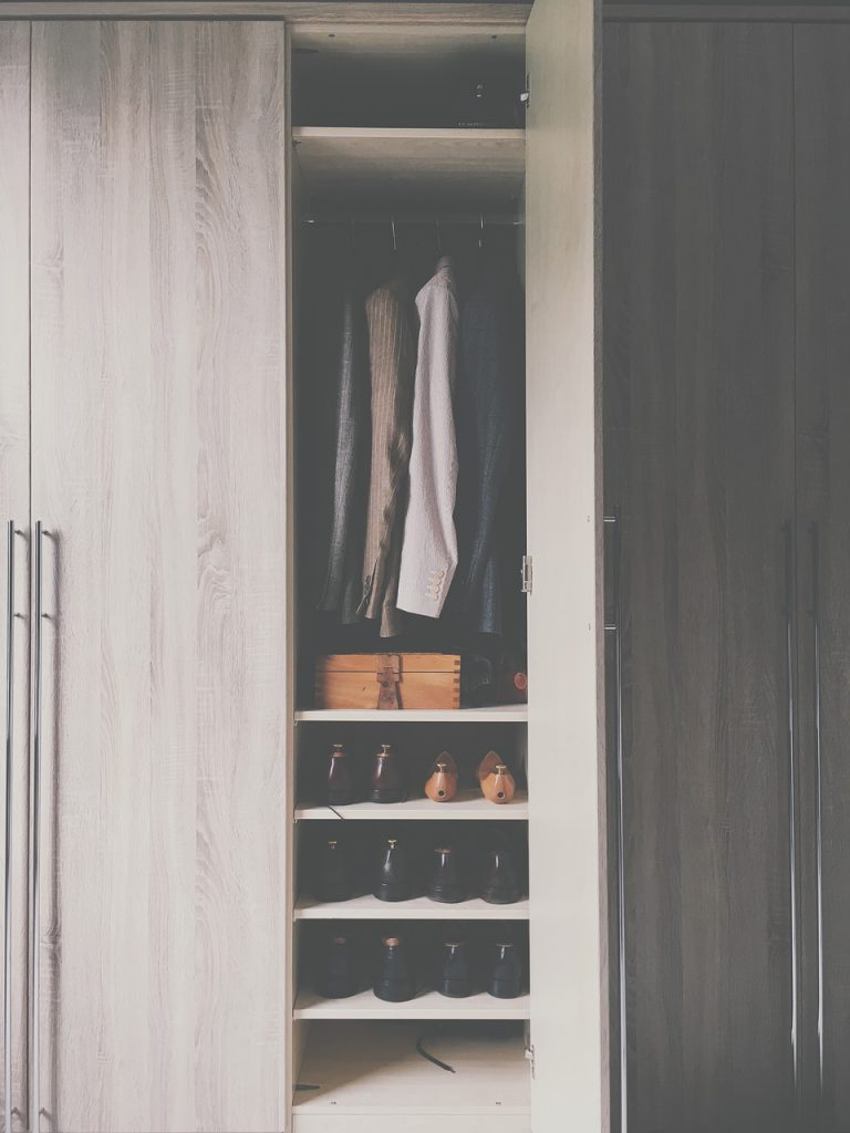Do you have enough clothes to outfit an army year round, but a closet the size of your pinky finger? Whether you live in an apartment, or an older home with limited closet space, we can help. Try these small closet organization tips and your friends will have serious Closet Envy.