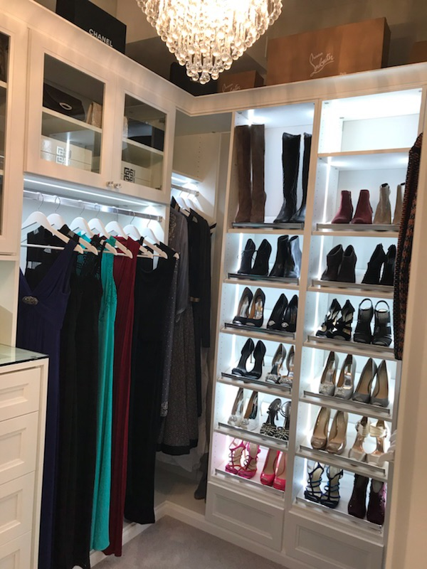 Is your closet dark and dreary? It's time to light it up! Take a look at some of our favorite tips for adding beautiful lighting to your walk-in closet.