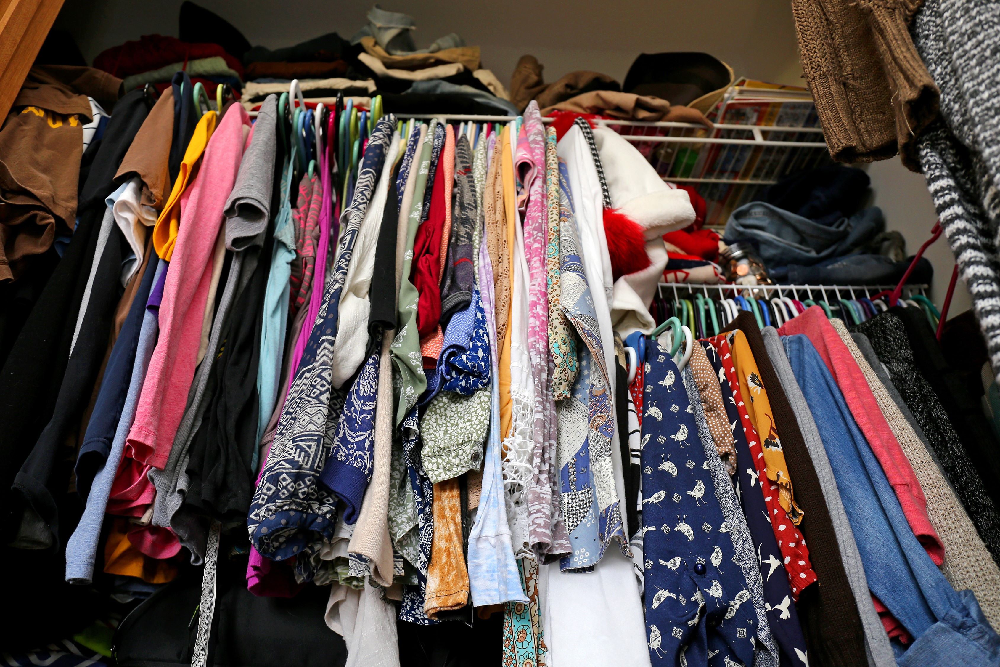 Your closet needs a huge overhaul, but your organization budget is tiny. Some people don't have the cash flow to install a custom designed closet. Never fear, closet organization on a budget is a doable feat. With these tips you'll go from mess to organized bliss in no time!