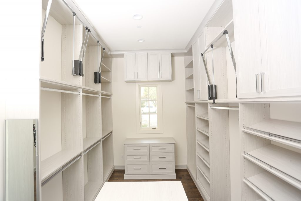 If you are considering a closet remodel you may be wondering what supplies to use. Here are some tips to help you choose the best materials for your closet. #closetenvy