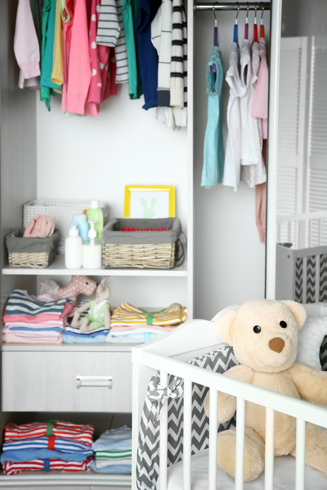 You've been spending day and night making sure the nursery is ready for your new baby. Now that your friends have showered you with gifts, its time to turn your attention to the closet. Here are our favorite tips for organizing a nursery closet!