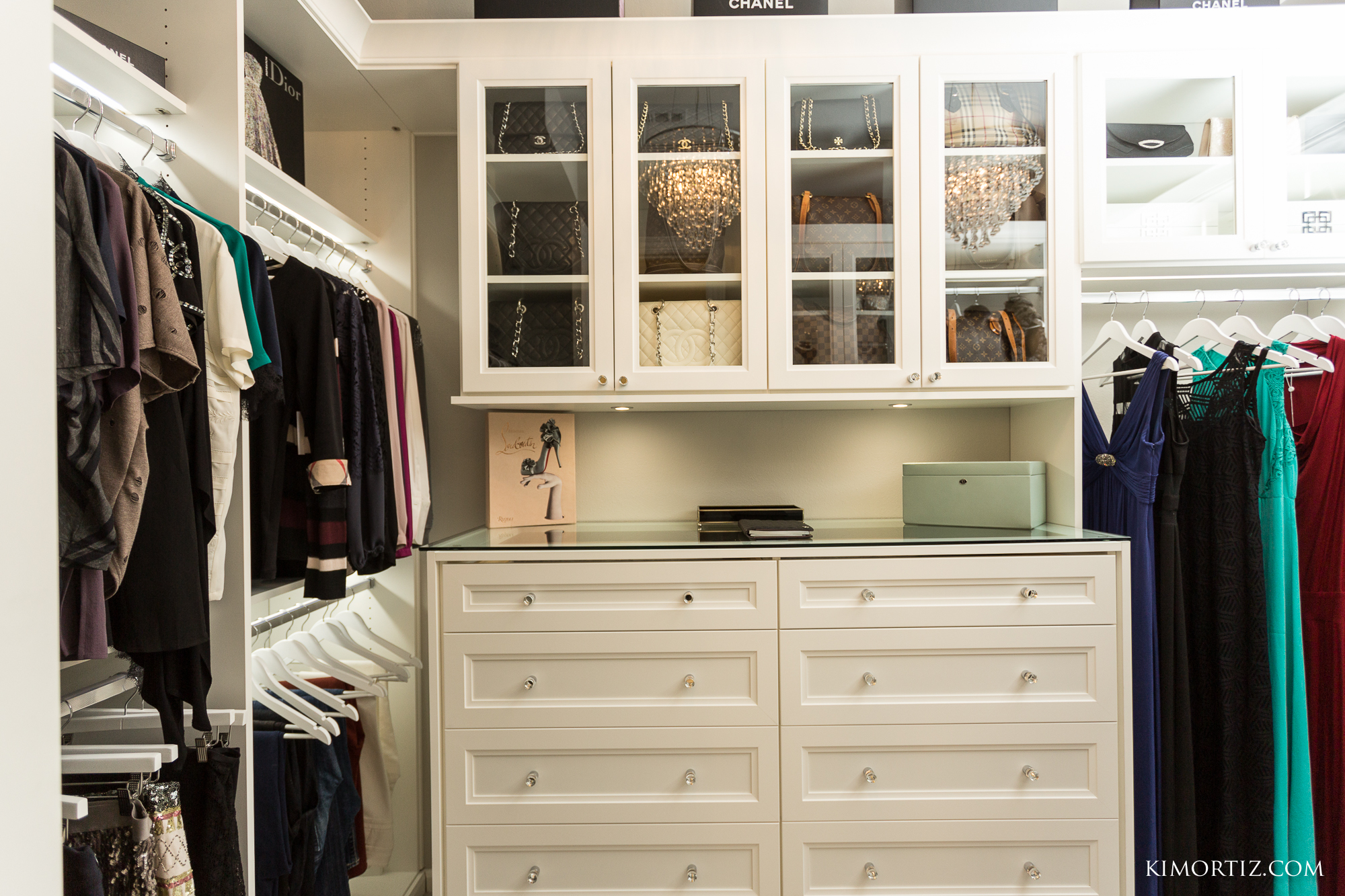 Closet Envy goes above and beyond to create spaces you'll love. Our designers work to make your dreams come true. In this customer showcase we wanted to show you a gorgeous boutique closet that will be the envy of the neighborhood. #designyourhappyplace #closetenvy