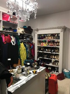 Closet Envy specializes in turning ho-hum closets into beautiful masterpieces. In this customer showcase we gave an ordinary closet a glamorous makeover. #closetenvy #designyourhappyplace